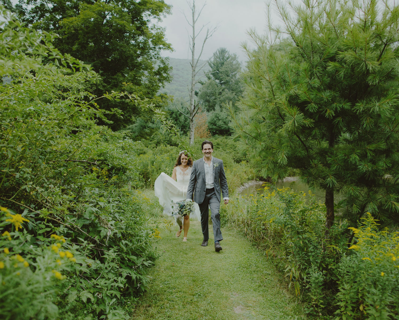 BIGINDIAN_CATSKILLS_NY_WEDDING_SAMMBLAKE_072